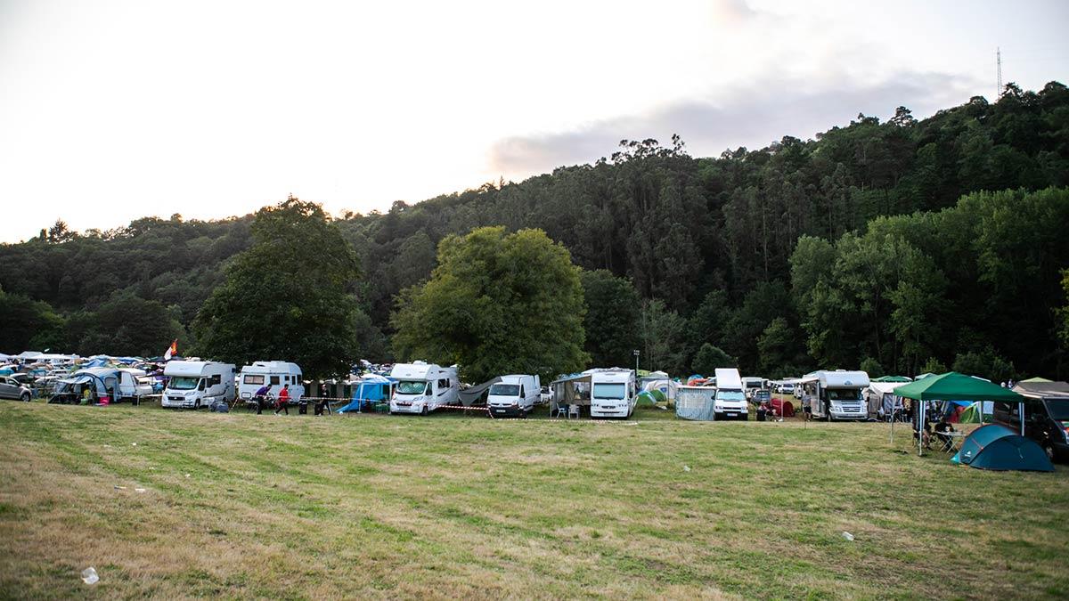 acampada-slide-3
