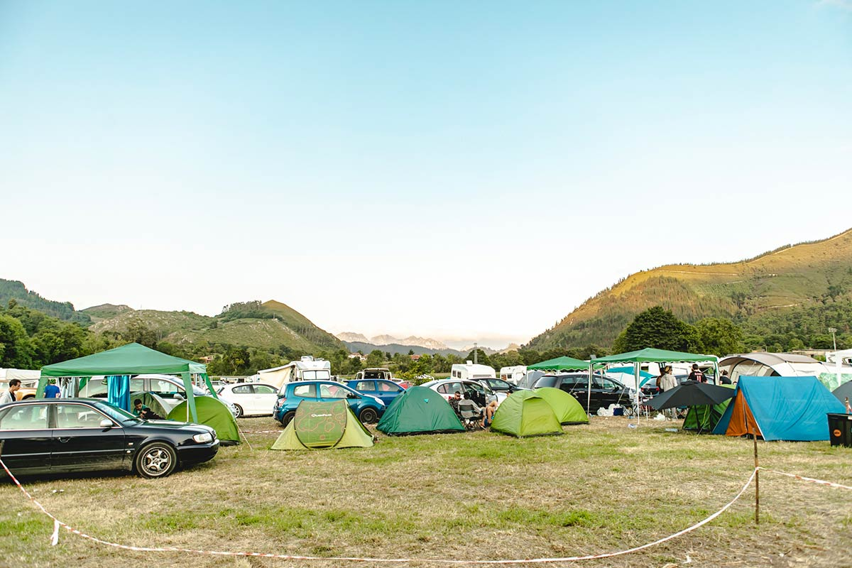 acampada-slide-4